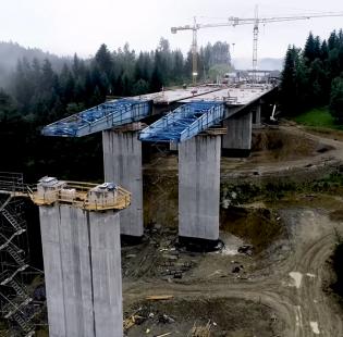 [Zakopianka] Budowa ogromnego mostu z lotu ptaka